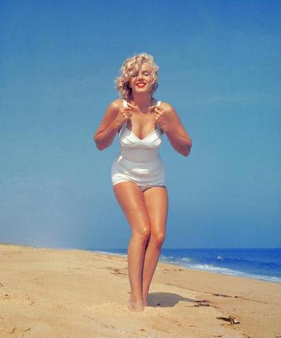 CELLO – big boobs, short waist, big hips, big bottom, big thighs
